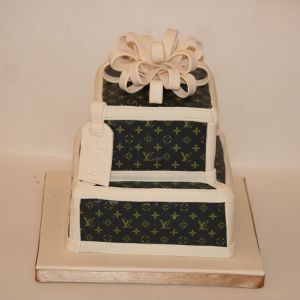 Louis Vuitton present cake