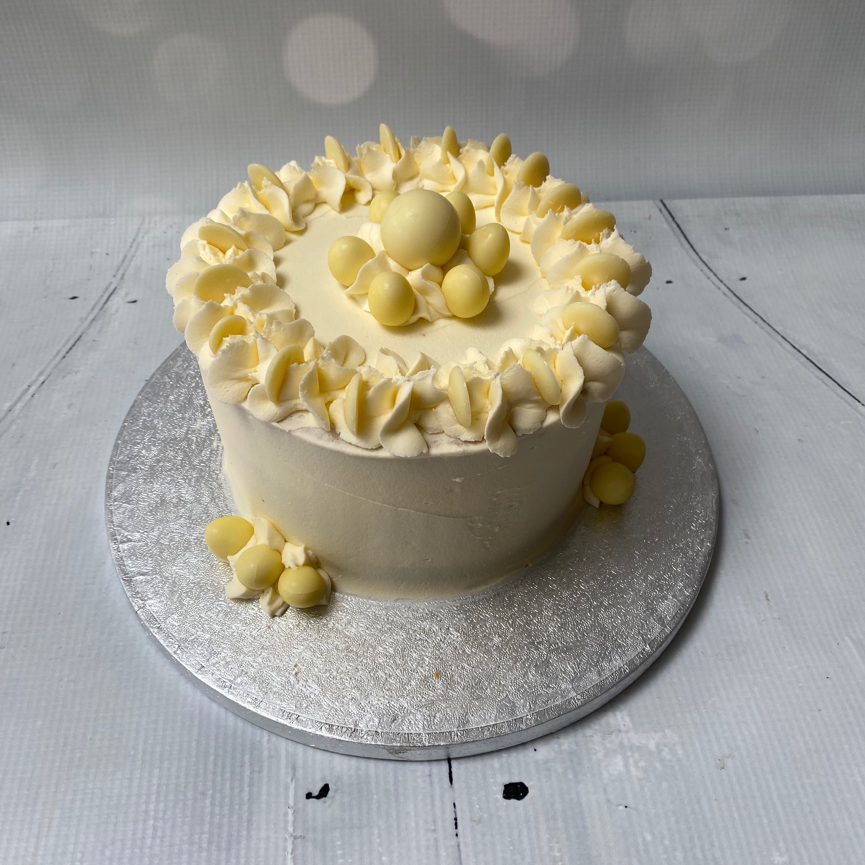 White chocolate buttercream cake