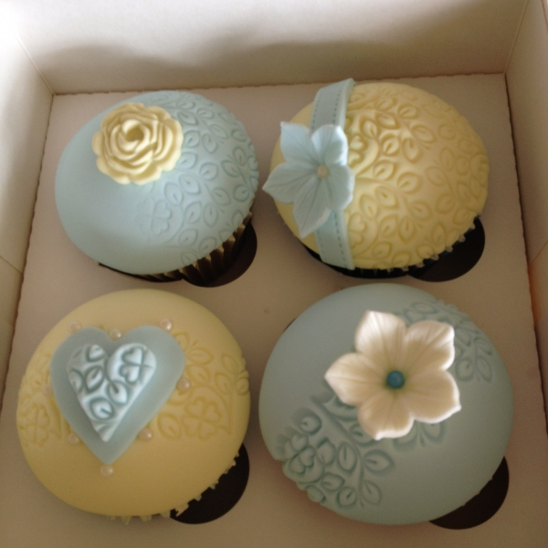 Blue & yellow flower cupcakes