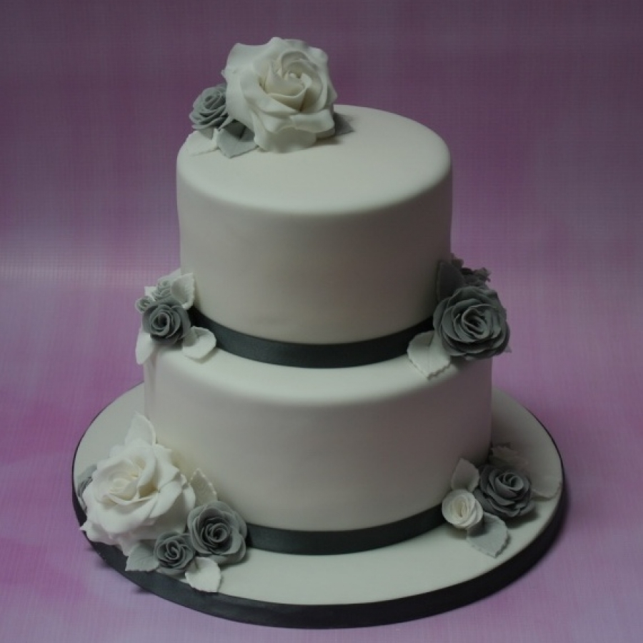 2 tier wedding cakes silver silver and grey wedding cake 2 tier 10169