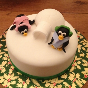 Cute penguin Christmas cake - small