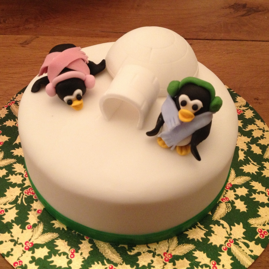 Cute Penguin Christmas Cake Small
