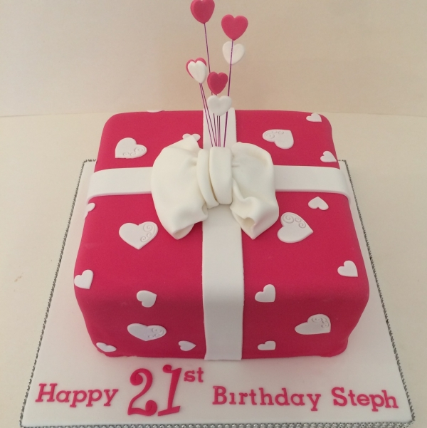 Pink present & bow cake
