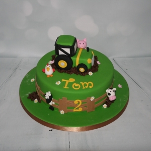 Tractor / farmyard animals cake