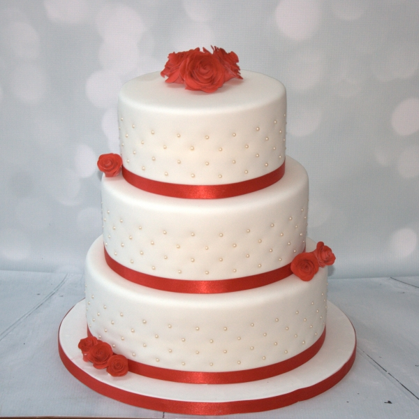 Red roses & pearls 3 tier cake