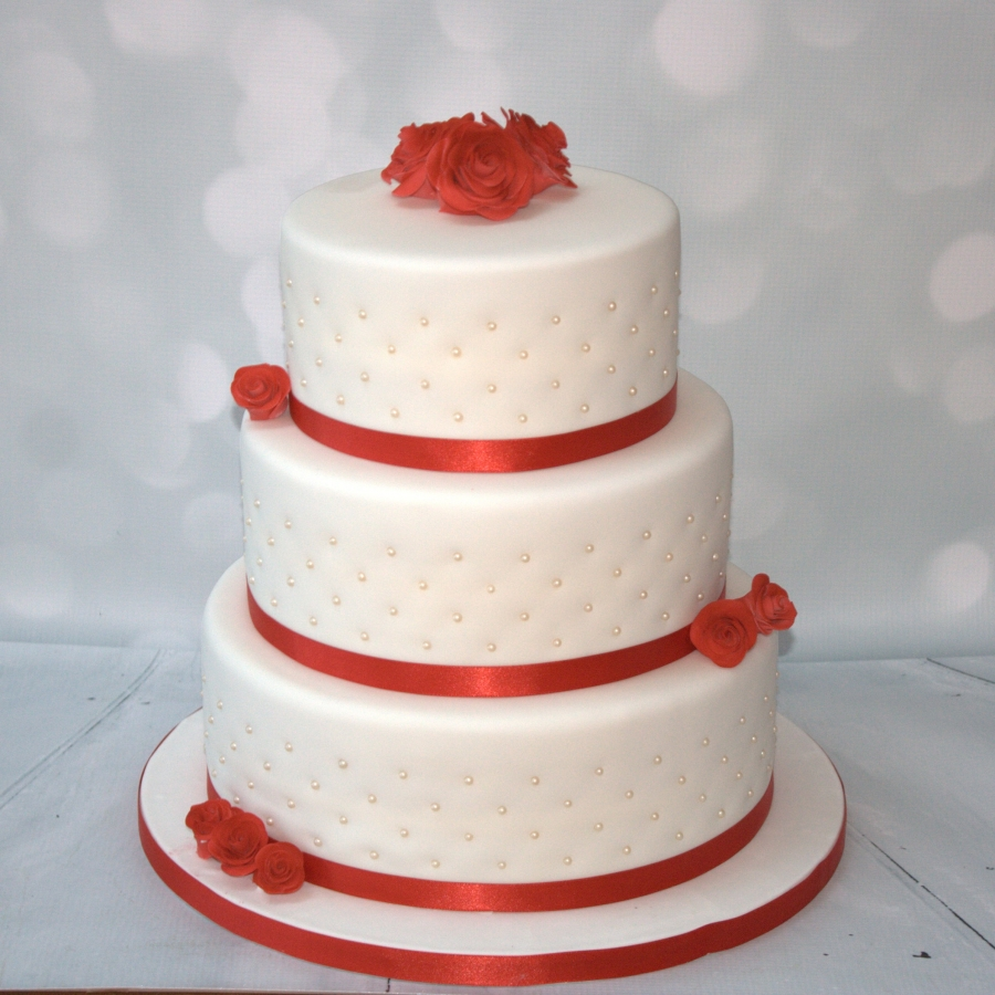 Three Tear Wedding Cakes.Red Roses Pearls 3 Tier Cake