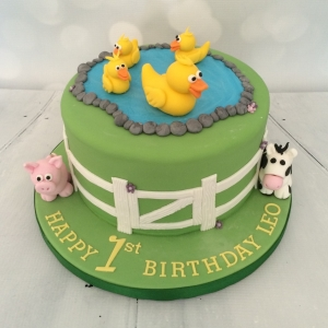 Duck / farmyard cake