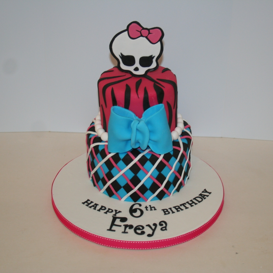Monster High 2 Tier Birthday Cake