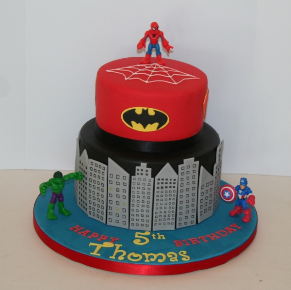 2 tier Marvel superheroes cake