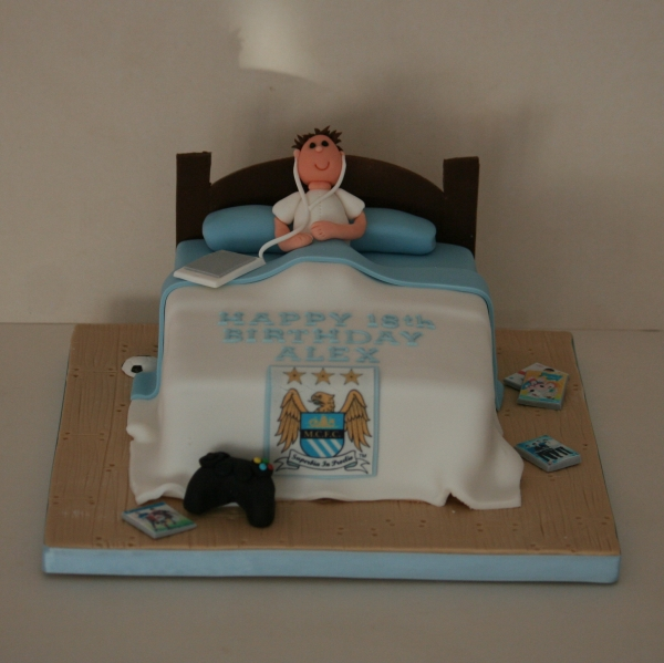 Manchester City theme bed cake
