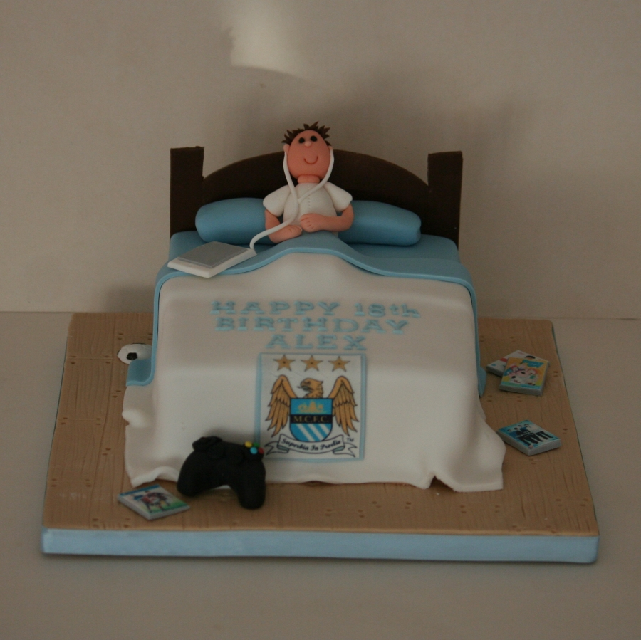 Teenage bedroom cake for a Manchester City fan