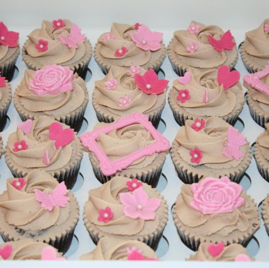 Pink & girly chocolate cupcakes