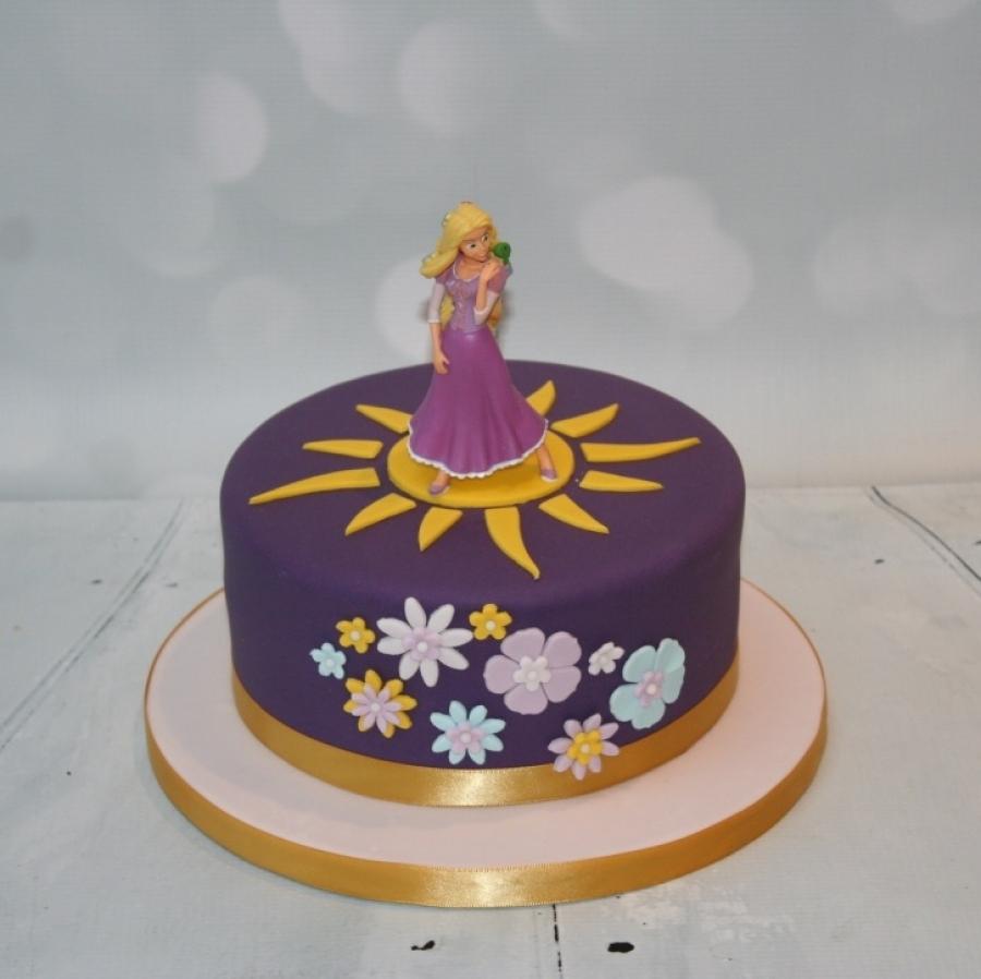 Flowers sun Rapunzel cake