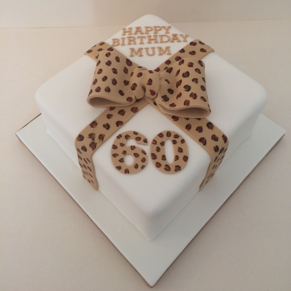 Leopard print bow cake