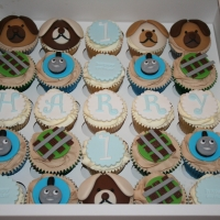 Teddy bears & Thomas the Tank Engine cupcakes