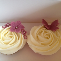 Butterfly & flowers cupcakes