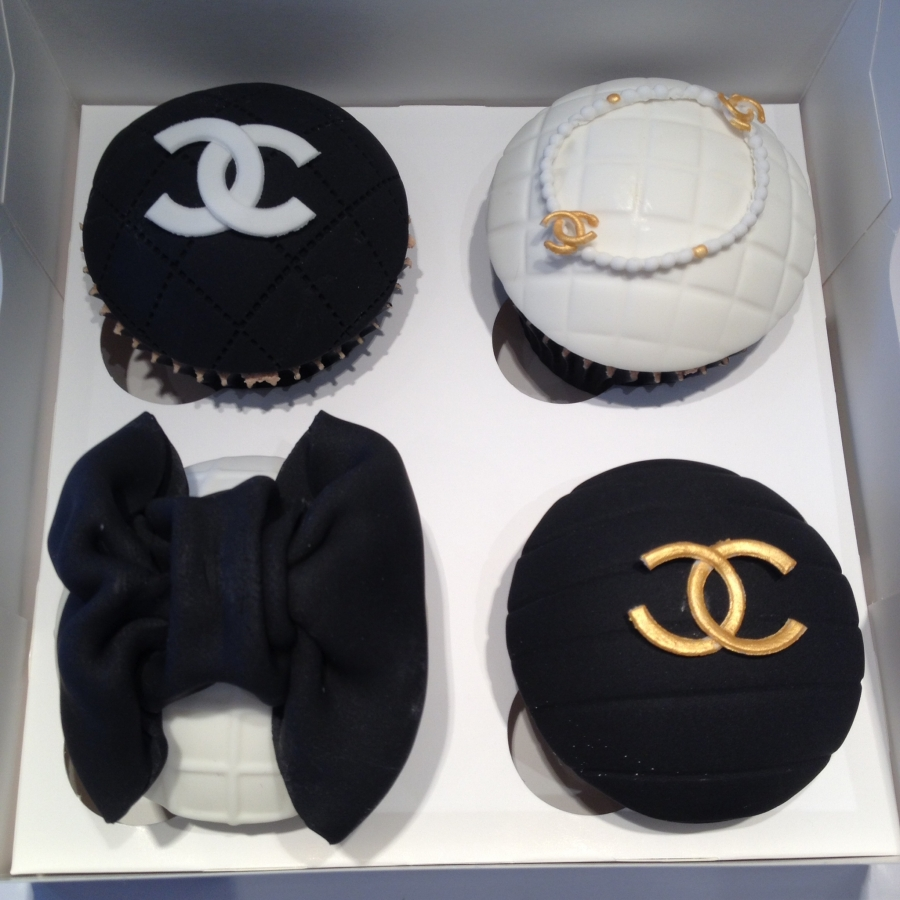 Birthday Cake Fashion Designer