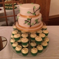 Simple forest theme wedding cake & cupcakes