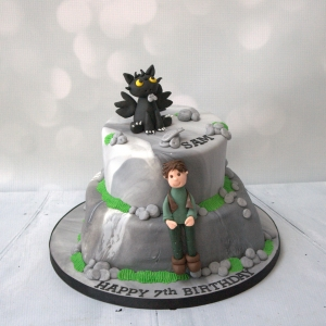 How to Train your dragon - 2 tier cake
