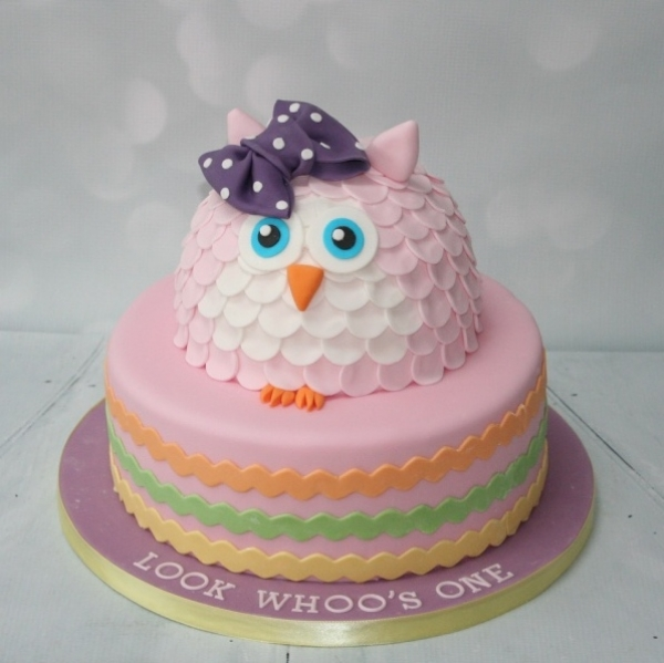 'Look Whoo's One' birthday cake