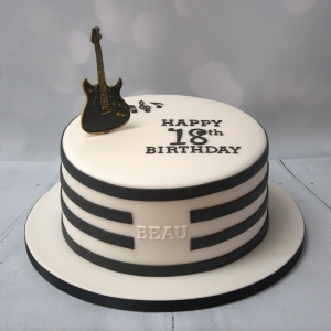 Black & white guitar cake