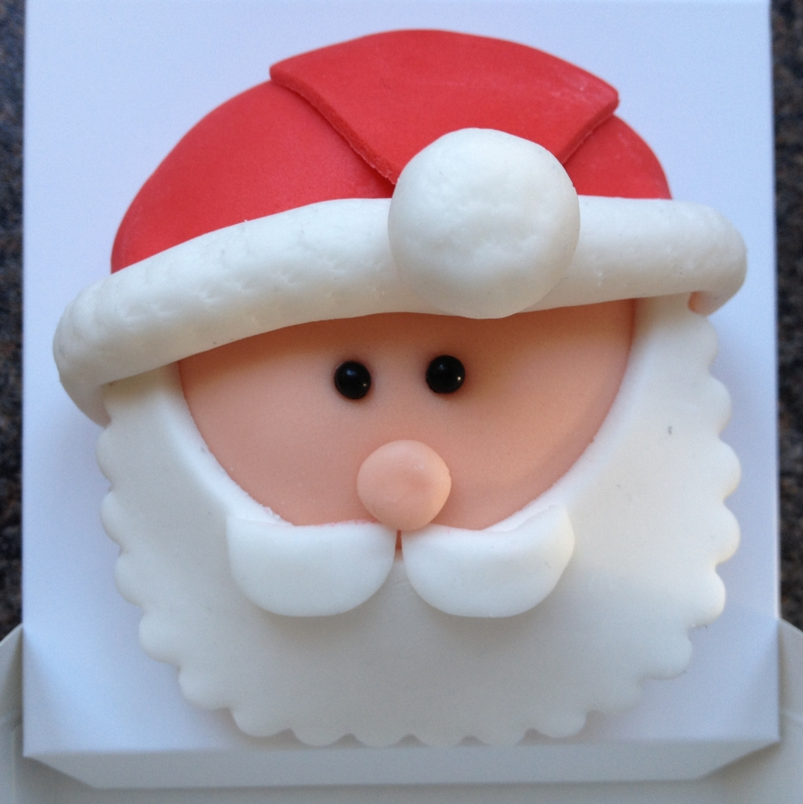 Cake Decorating Father Christmas : Father Christmas cupcake