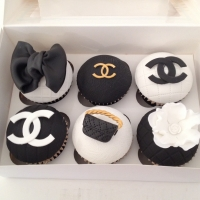 Box of 6 Chanel theme cupcakes