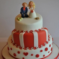 Red & White wedding cake - view 2