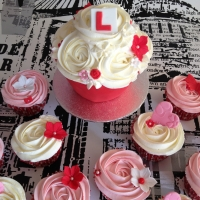Hen party baby giant cupcake