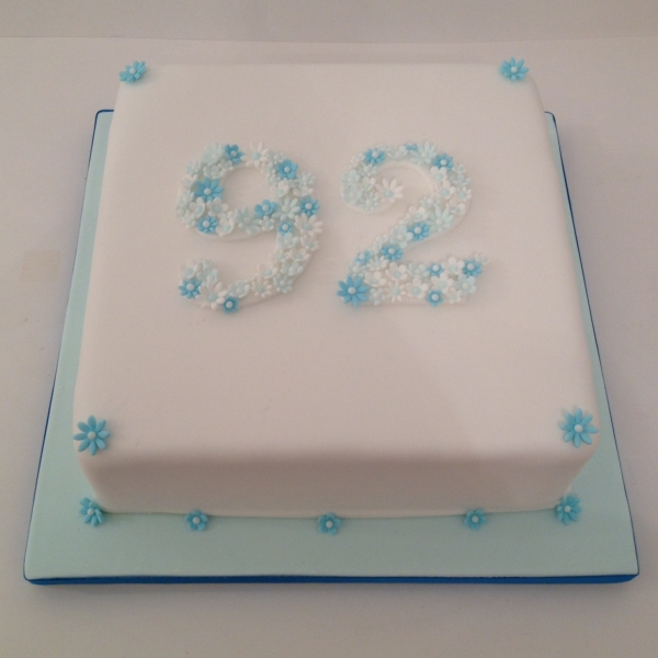 Number birthday cake - blue flowers